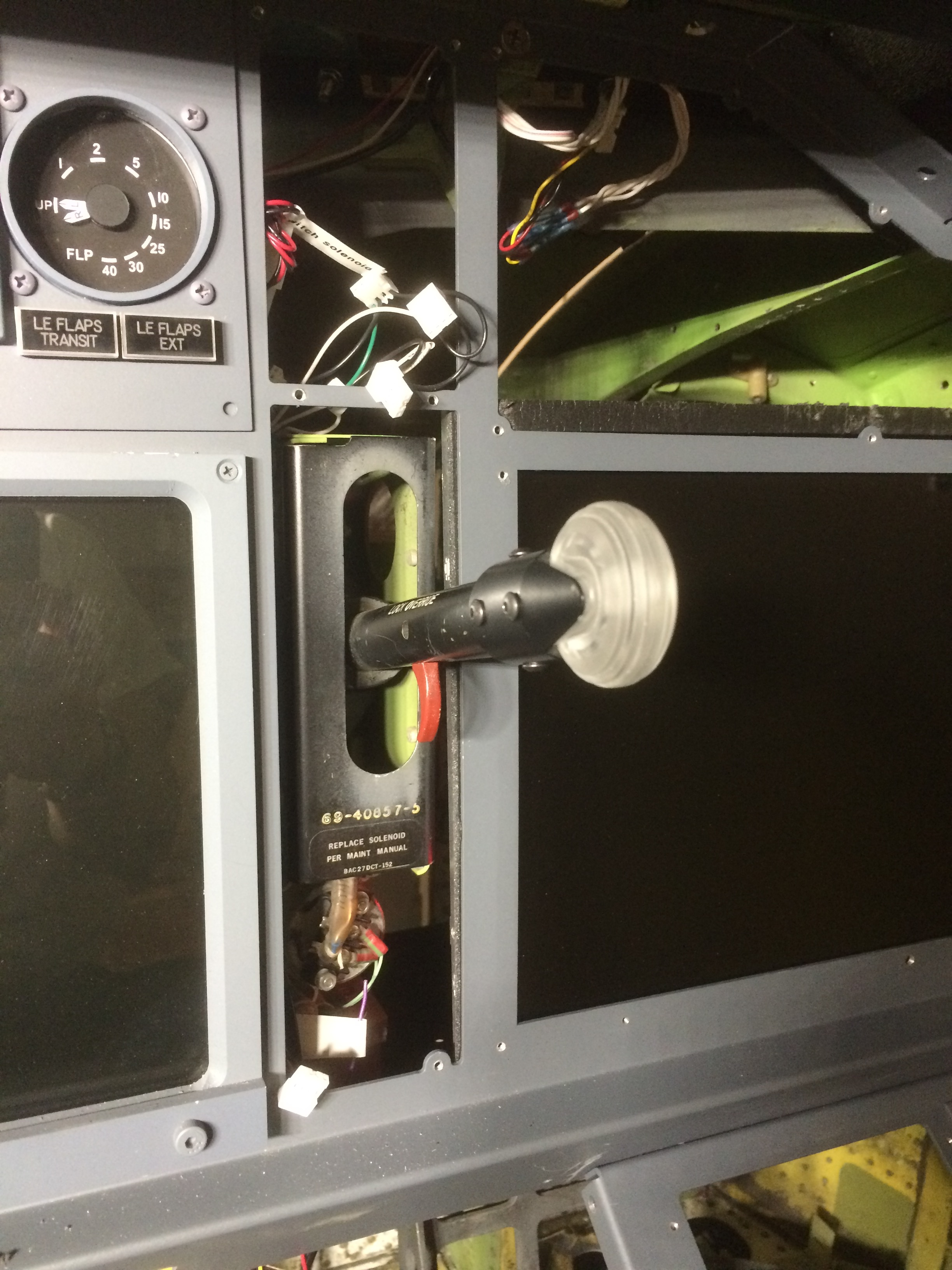 fly737ng com the 737ng experience blog of a crazy simulator builder boeing landing gear lever after installation of fds ng style smaller wheel knob